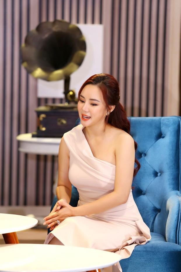 Bị nghi ngờ photoshop nhằm nguỵ tạo bằng chứng, Vy Oanh tung clip khẳng định tin nhắn của Hoa hậu Thu Hoài là thật - Ảnh 6.