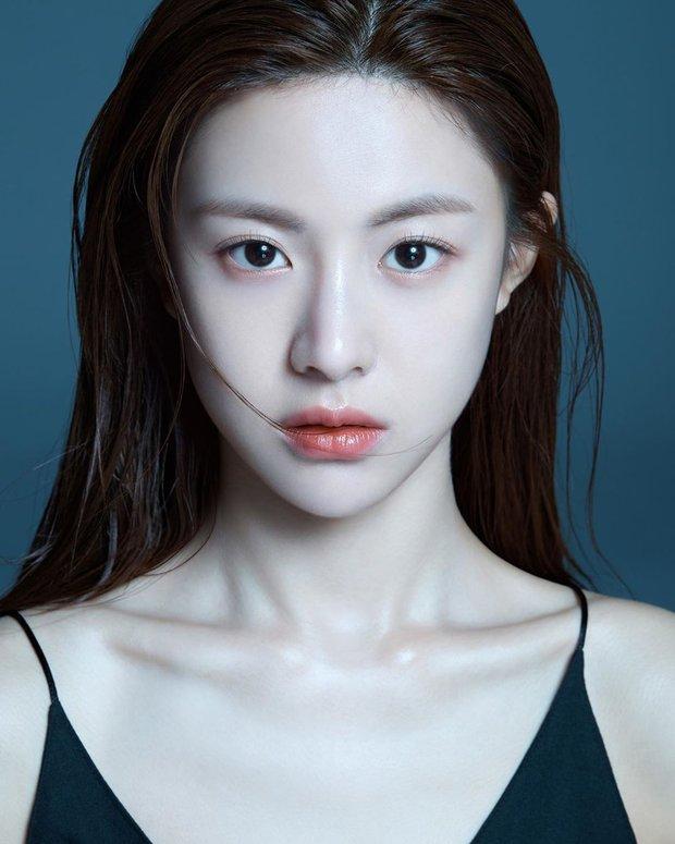 Nữ diễn viên có ảnh profile đỉnh nhất theo Knet: Jisoo - Kim Yoo Jung so kè khốc liệt, mỹ nhân mặt đơ của IZ*ONE bất ngờ có tên - Ảnh 12.