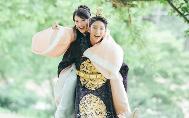 15 phim Hàn đỉnh của chóp do netizen quốc tế bình chọn, nhờ phim giả tình thật mà Son Ye Jin - Hyun Bin chốt vị trí đầu - Ảnh 6.