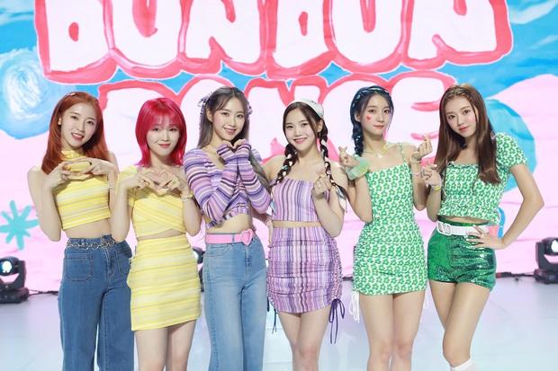 30 girlgroup hot nhất Kpop: BLACKPINK tuột dốc, để tân binh nhà SM và nhóm nhạc hiện tượng tranh nhau top 1 - Ảnh 9.