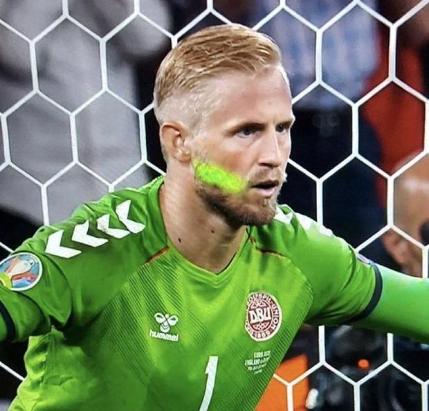 Fan tuyển Anh báo hại đội nhà 850 triệu đồng vì 3 hành vi xấu xí ở trận bán kết Euro 2020 - Ảnh 1.