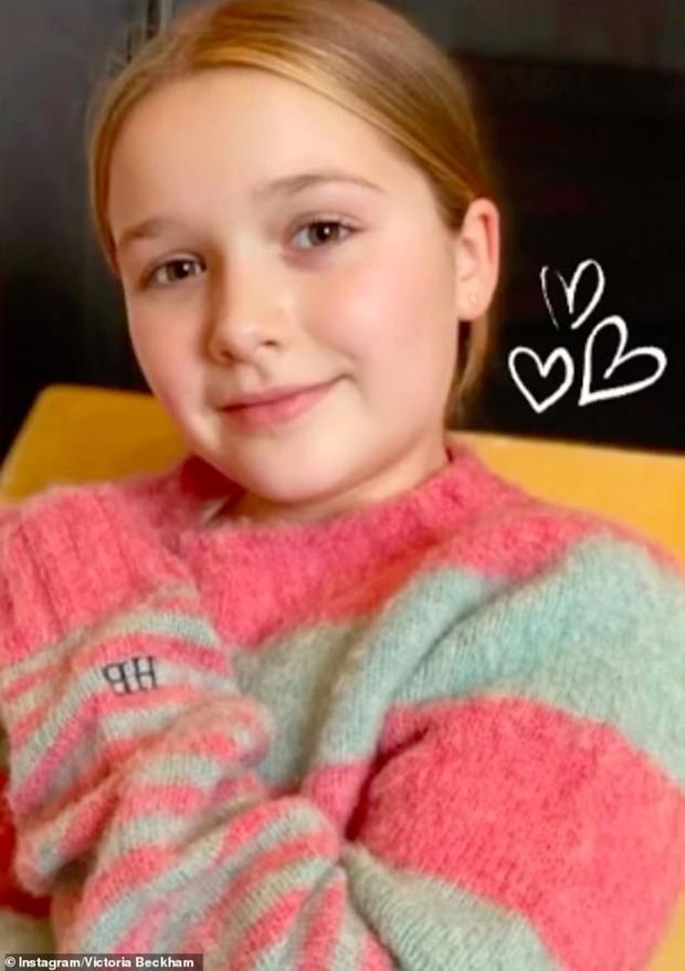Ngỡ ngàng nhìn Harper Beckham thay đổi qua 10 năm: Từ bé đã được Tổng biên tập Vogue ưu ái, đi sự kiện mà át cả bố mẹ cực phẩm - Ảnh 21.