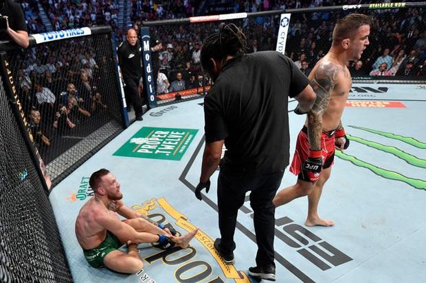 Conor McGregor được chuyển gấp tới viện sau chấn thương gãy chân kinh hoàng, tiến hành phẫu thuật vào ngày 12/7 - Ảnh 1.