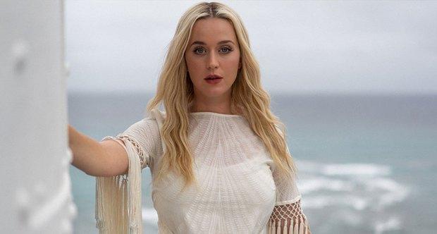 Chuyện sao Hollywood đi học: Adele đánh bạn bênh idol, tài tử Twilight bán tạp chí khiêu dâm, Katy Perry bị phạt vì hành động 18+ - Ảnh 2.