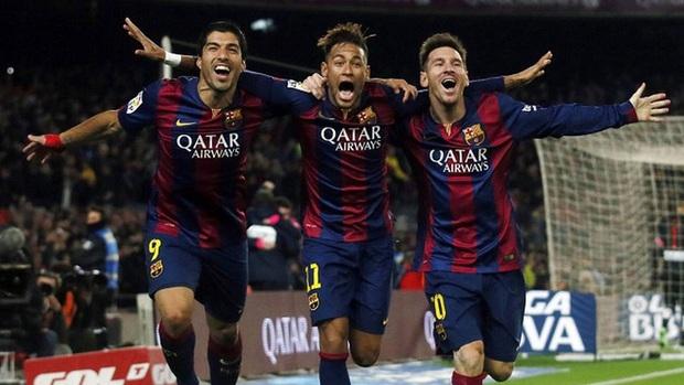 Lau sạch nước mắt, Neymar cởi trần ngồi chém gió và cười như được mùa với Messi - Ảnh 2.