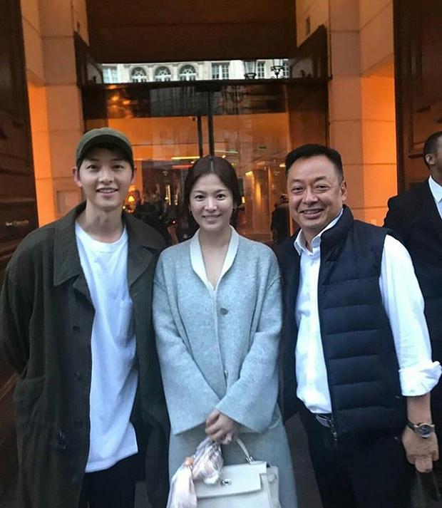 4 năm rồi mới xuất hiện mỹ nhân khiến Song Joong Ki có cử chỉ thân mật y như với vợ cũ Song Hye Kyo - Ảnh 2.