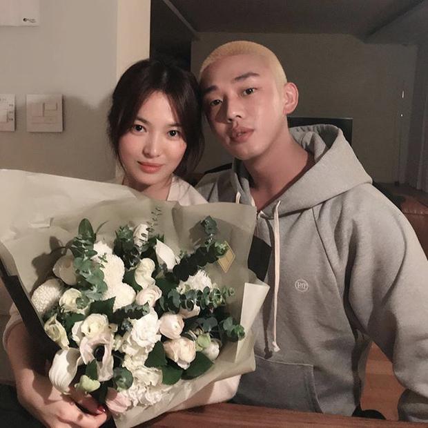 Song Hye Kyo hạnh phúc bên trai trẻ cùng cún cưng như 1 gia đình, trả đũa Song Joong Ki và tình tin đồn mới hay gì? - Ảnh 4.
