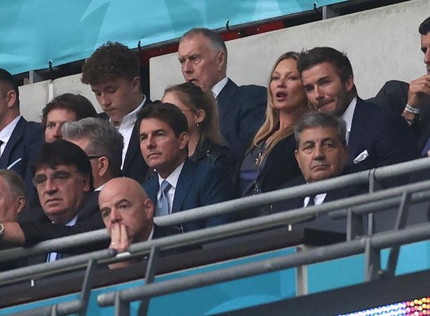 Dàn sao đổ bộ Chung kết Euro 2020: David Beckham - Tom Cruise thân mật gây bão, Harper xinh xắn át cả siêu mẫu Kate Moss - Ảnh 8.