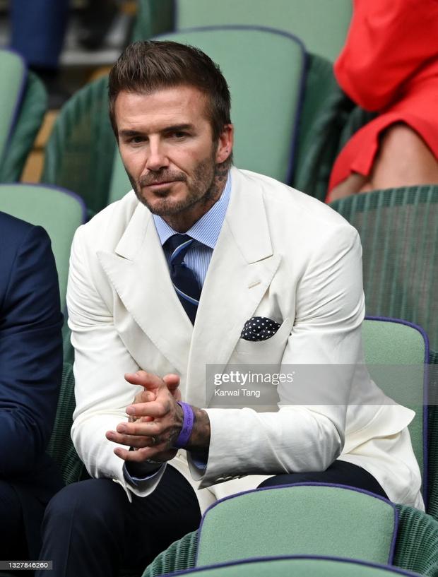 David Beckham càn quét từ Wimbledon đến Euro: Lên đồ biến sự kiện thành sàn diễn, visual đỉnh cao đè bẹp Tom Cruise - Ed Sheeran - Ảnh 5.