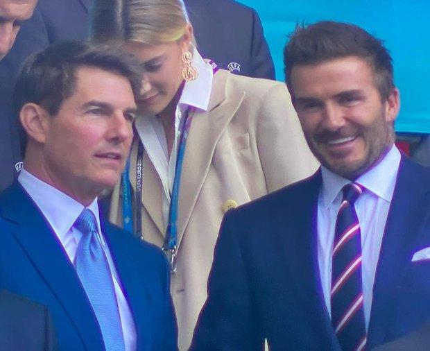 Hình ảnh đau lòng cuối trận Chung kết Euro 2020: David Beckham thẫn thờ giữa đám đông, mặt buồn thiu khi Anh thua Ý - Ảnh 5.