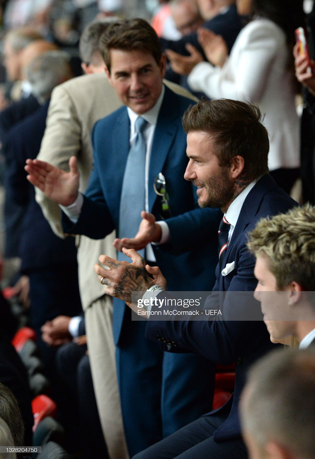 Dàn sao đổ bộ Chung kết Euro 2020: David Beckham - Tom Cruise thân mật gây bão, Harper xinh xắn át cả siêu mẫu Kate Moss - Ảnh 3.