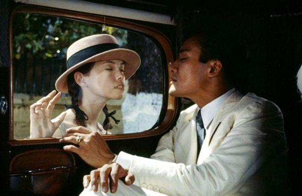 Phim có cảnh nóng táo bạo nhất lịch sử khiến netizen mê đắm vì bối cảnh Sài Gòn đẹp như tranh vẽ, gợi cảm ở từng đường nét nhỏ - Ảnh 1.