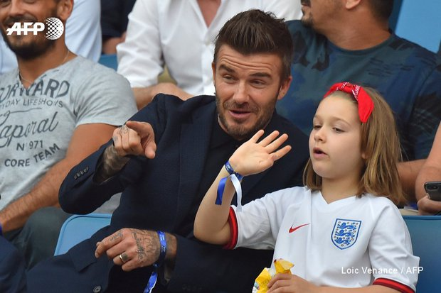 Thế lực nhí cute nhất Chung kết Euro 2020: Harper lên đồ điệu đà bên bố David Beckham, còn khoe sắc xinh xỉu ở hậu trường - Ảnh 8.