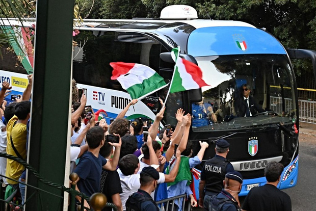 Nóng: Thủ đô Rome mở lễ hội chào đón tuyển Italy mang cúp vô địch Euro trở về - Ảnh 5.