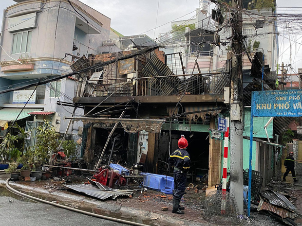 TP.HCM: 4 căn nhà bị cháy rụi - Ảnh 2.