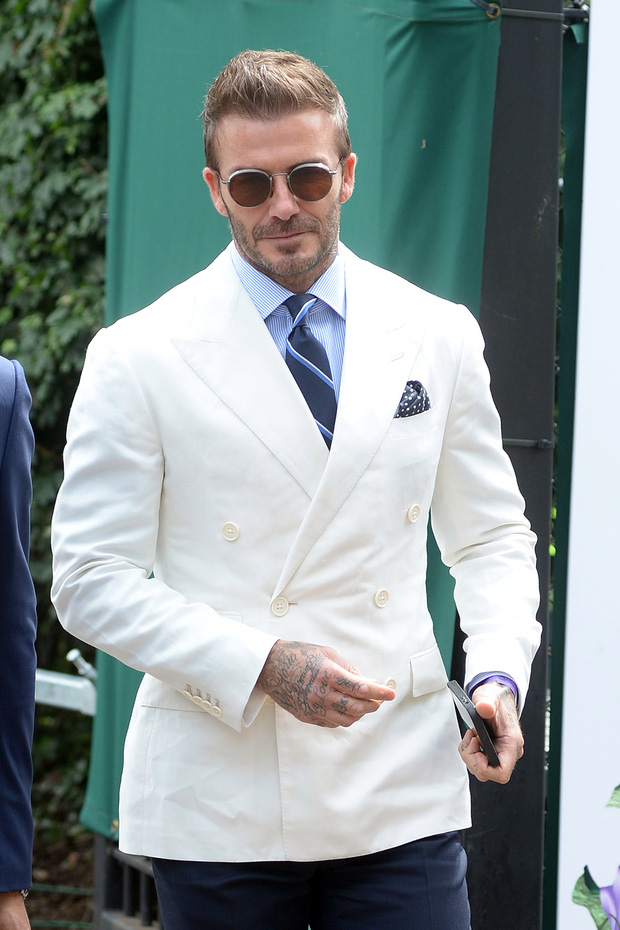 David Beckham càn quét từ Wimbledon đến Euro: Lên đồ biến sự kiện thành sàn diễn, visual đỉnh cao đè bẹp Tom Cruise - Ed Sheeran - Ảnh 3.