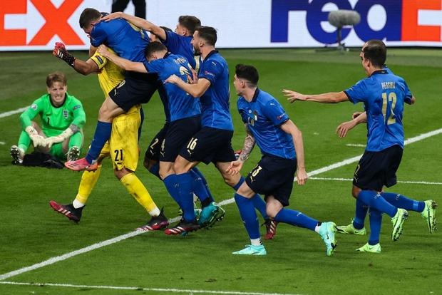 Báo Tây Ban Nha: ĐT Italy dũng cảm và Anh hèn nhát, cả hai đều nhận kết quả xứng đáng - Ảnh 4.