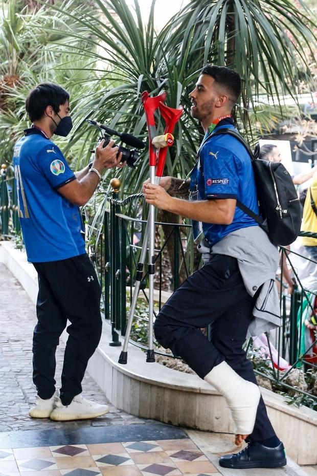 Nóng: Thủ đô Rome mở lễ hội chào đón tuyển Italy mang cúp vô địch Euro trở về - Ảnh 12.