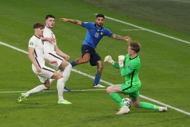 Chấm điểm cầu thủ Italy vs Anh: Siêu nhân mang tên Gianluigi Donnarumma - Ảnh 10.