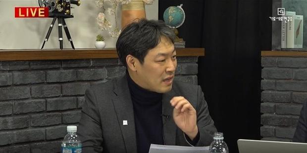 NÓNG: Cảnh sát điều tra khẩn tiệc thác loạn của đại gia và dàn sao Hàn, 1 nữ idol nổi tiếng đã bị tìm ra danh tính - Ảnh 7.