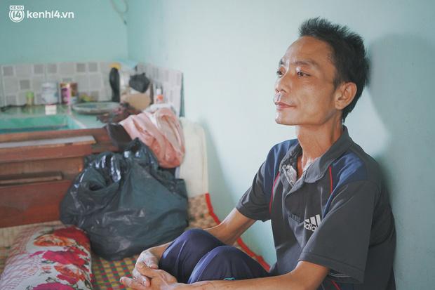 Mẹ bỏ đi, nữ sinh 14 tuổi khóc cạn nước mắt, cầu xin một cơ hội để cứu lấy người cha mắc bệnh hiểm nghèo - Ảnh 3.