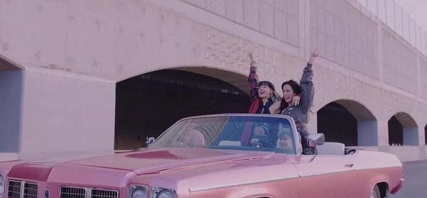 """BLACKPINK chính thức tung MV comeback, tiết kiệm xài """"đồ cũ"""" nhưng khuyến mại thêm loạt cảnh quay lung linh chưa từng công bố - Ảnh 9."""