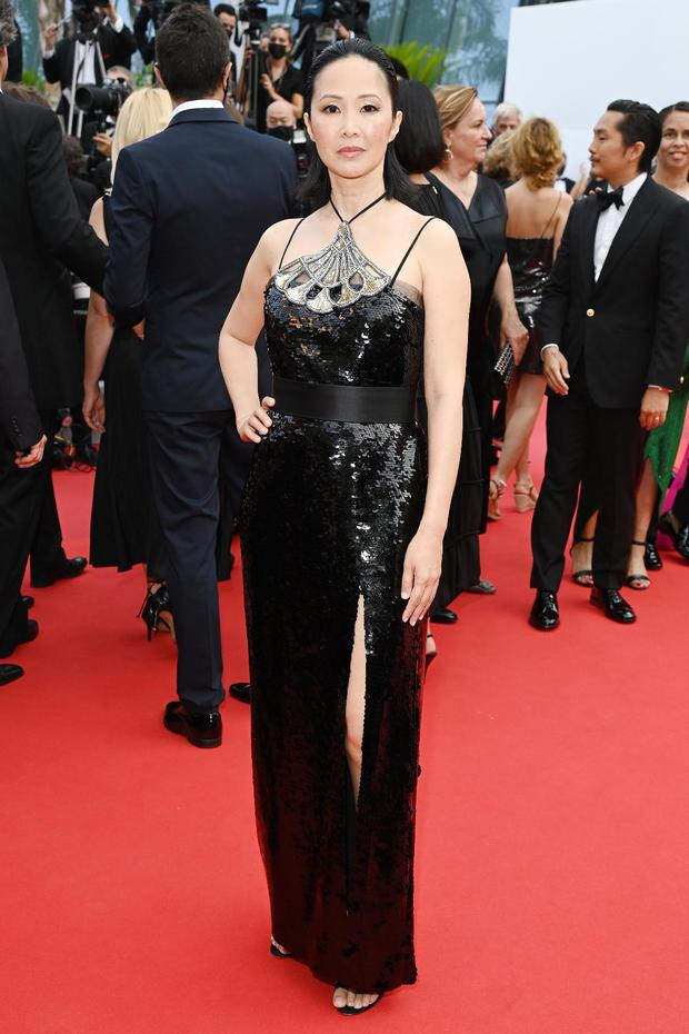 """Thảm đỏ LHP Cannes: Xuất hiện nữ diễn viên Việt, con gái tài tử Captain Marvel đầu trọc cực lạ vẫn bị dàn mỹ nhân hở """"nhức mắt"""" lấn át - Ảnh 2."""