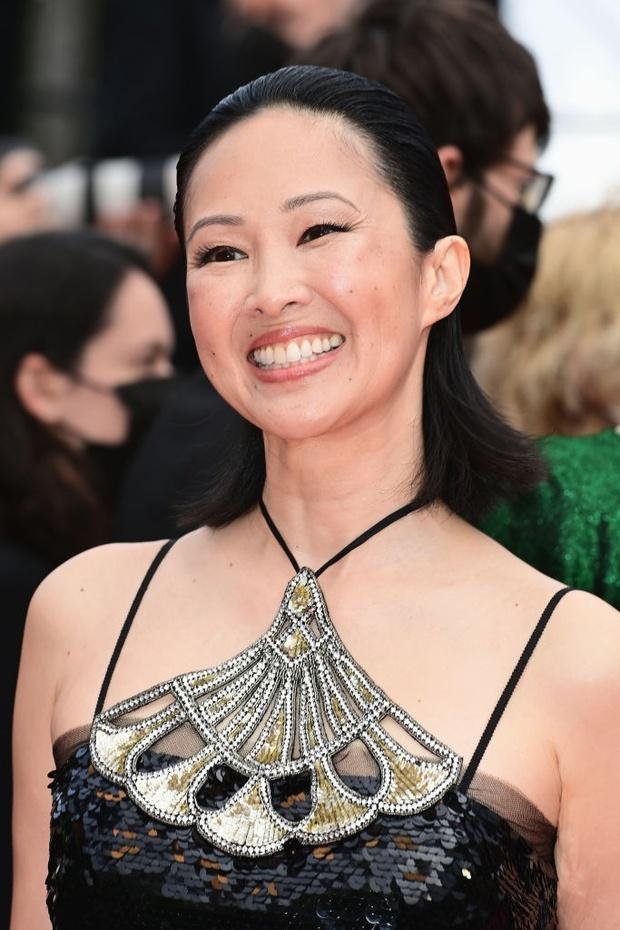 """Thảm đỏ LHP Cannes: Xuất hiện nữ diễn viên Việt, con gái tài tử Captain Marvel đầu trọc cực lạ vẫn bị dàn mỹ nhân hở """"nhức mắt"""" lấn át - Ảnh 3."""