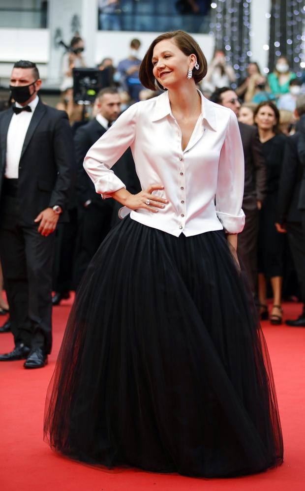 """Thảm đỏ LHP Cannes: Xuất hiện nữ diễn viên Việt, con gái tài tử Captain Marvel đầu trọc cực lạ vẫn bị dàn mỹ nhân hở """"nhức mắt"""" lấn át - Ảnh 15."""