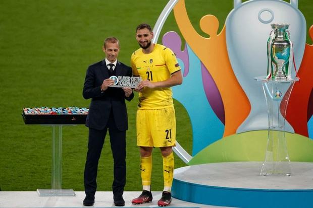 Euro 2020: Gã thủ môn 0 đồng nghiền nát giấc mơ của đội tuyển Anh là ai? - Ảnh 1.
