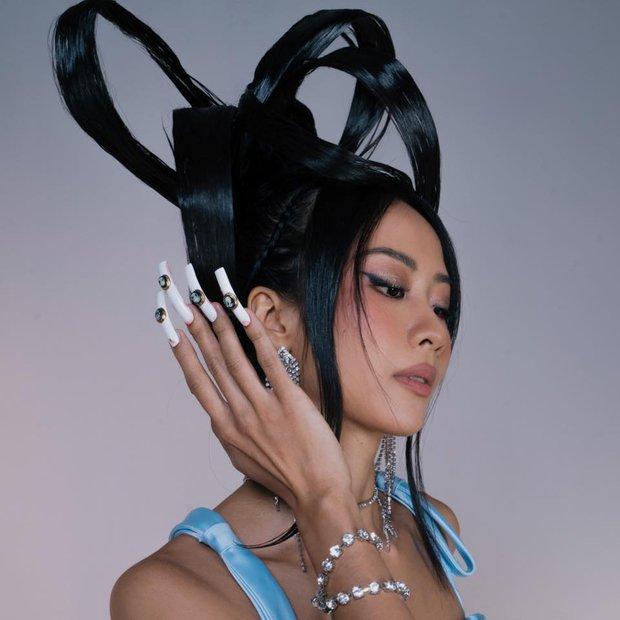 Tạp chí âm nhạc nổi tiếng đưa ra 9 cái tên đại diện nhạc Việt: Sơn Tùng là Hoàng tử Vpop, Bích Phương là main pop girl, 2 cái tên cuối khá lạ? - Ảnh 3.