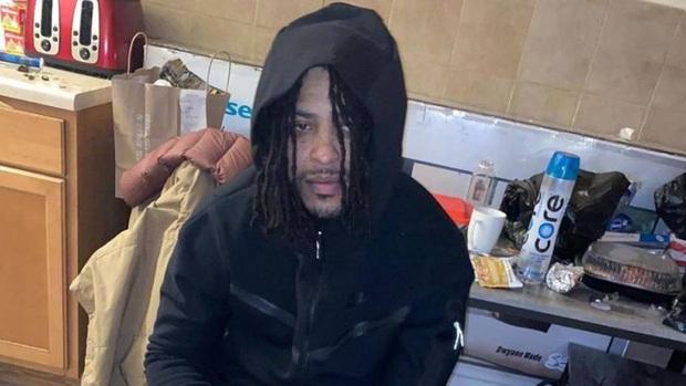 Rapper bị bắn 64 phát đạn khi vừa ra khỏi cổng nhà tù - Ảnh 3.