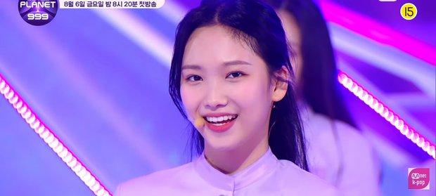 Show sống còn mới của Mnet ra mắt sân khấu đầu tiên, visual không thiếu nhưng center lại là thí sinh mờ nhạt từ Produce 48 - Ảnh 11.