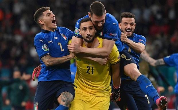 Thủ môn Donnarumma giải thích lý do mặt lạnh như băng, không thèm ăn mừng sau khi giúp tuyển Ý vô địch Euro 2020 - Ảnh 1.