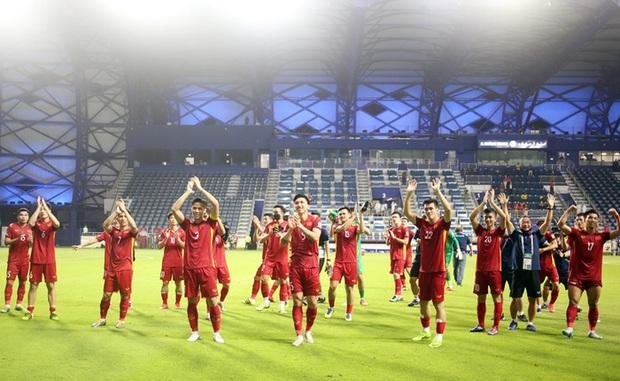 Đội tuyển bóng đá nam quốc gia vinh dự nhận Bằng khen sau thành tích lọt vào vòng loại 3 World Cup 2022 - Ảnh 1.