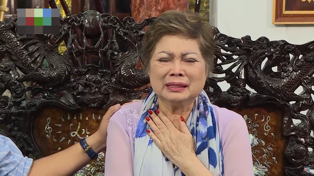 Linh cữu của mẹ Ngọc Sơn đã được hoả táng và đây là tình hình của anh khi mẹ ruột qua đời mà không thể về chịu tang - Ảnh 4.