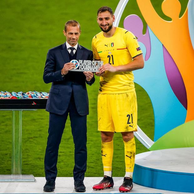 Thủ môn Donnarumma giải thích lý do mặt lạnh như băng, không thèm ăn mừng sau khi giúp tuyển Ý vô địch Euro 2020 - Ảnh 3.