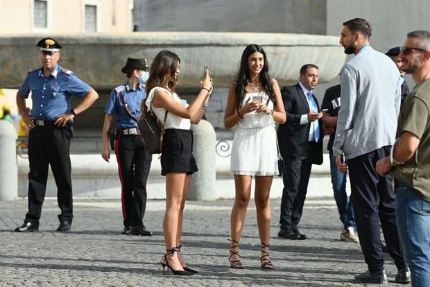 Tuyển Italy hãnh diện mang cúp bạc Euro 2020 tới diện kiến Tổng thống - Ảnh 6.