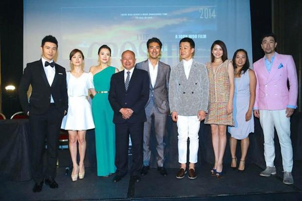 """Song Hye Kyo """"đại náo"""" Cannes: Giản dị mà vẫn đẹp ngất, """"nấm lùn"""" so kè với Chương Tử Di, lu mờ cả Huỳnh Hiểu Minh - Ảnh 2."""