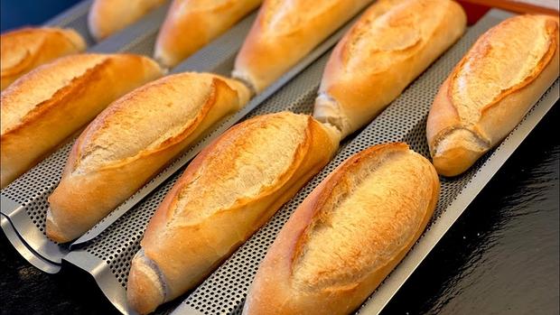 Đặt mua bánh mì ở Sài Gòn lúc này: Ai may mắn thì đợi 1 tuần, ai đặt muộn thì... chịu! - Ảnh 2.