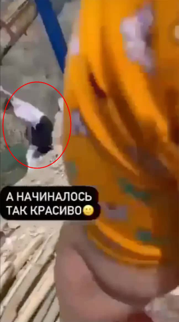"""Video: Chơi thử """"xích đu tử thần"""", hai cô gái rơi thẳng xuống vực 2000 mét khi dây xích đứt bất ngờ và kết cục khó tin - Ảnh 2."""