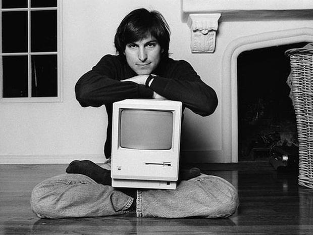 """3 câu chuyện nhỏ quyết định cuộc đời của Steve Jobs: """"Nếu coi mỗi giây qua đi đều như trong ngày cuối cùng của đời mình, sẽ có lúc bạn phát hiện rằng mình đã đúng"""" - Ảnh 1."""