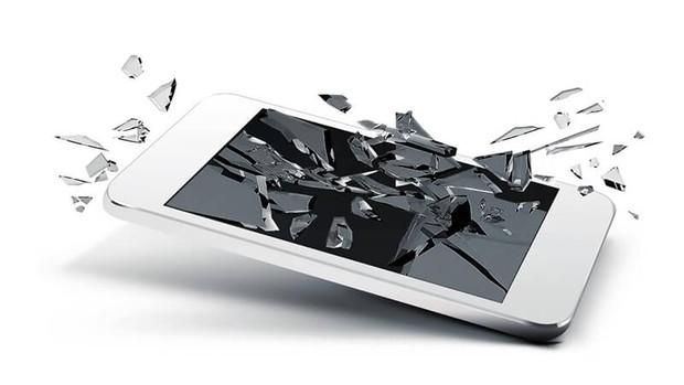 5 vấn đề nghiêm trọng người dùng sẽ gặp phải khi cố đấm ăn xôi không chịu đi thay màn hình điện thoại vỡ - Ảnh 3.