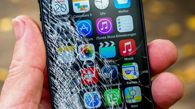 5 vấn đề nghiêm trọng người dùng sẽ gặp phải khi cố đấm ăn xôi không chịu đi thay màn hình điện thoại vỡ - Ảnh 4.