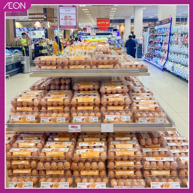 Xôn xao hình ảnh người đàn ông thu gom 1 xe đầy trứng trong siêu thị: Đại diện AEON Việt Nam nói gì? - Ảnh 2.