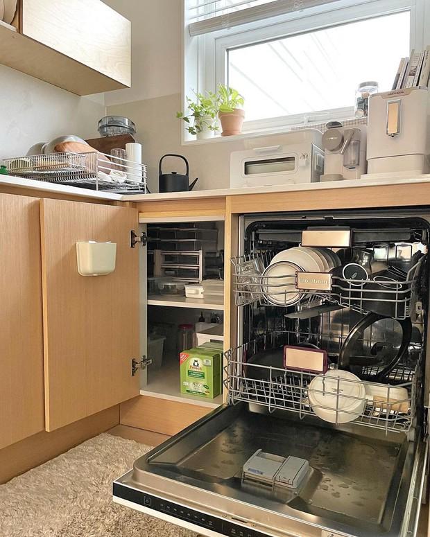 4 đồ dùng nhà bếp hầu như bà nội trợ nào cũng sắp xếp sai, sửa ngay kẻo tốn tiền mua cái mới - Ảnh 3.