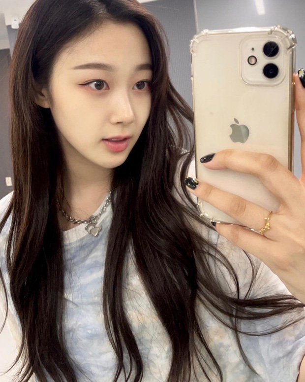 Bị chê xấu xí, nữ idol nhà SM khiến Knet quay xe vì... bỏ make up đậm, nhưng lại gây tranh cãi khi so với Suzy - Rosé - Ảnh 3.