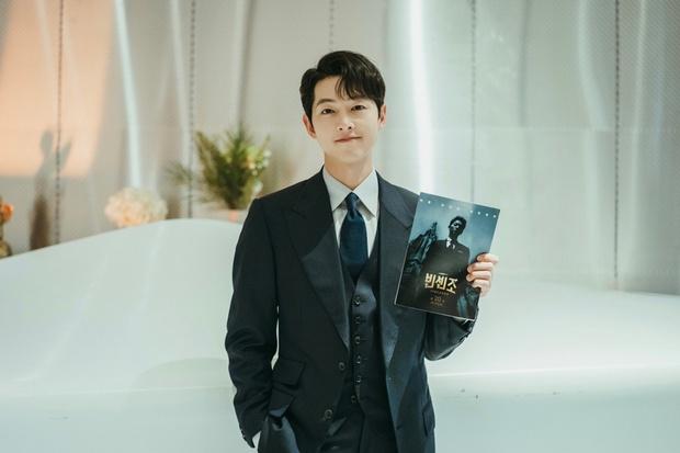 Mặc bê bối, biệt thự của Song Joong Ki lọt top 1% bất động sản xứ Hàn, choáng váng hàng xóm toàn ông lớn Samsung, Shinsegae - Ảnh 9.