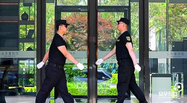 Giữa bê bối ngoại tình, cơ ngơi của bom sex xứ Hàn bỗng gây sốt: Có giá tận 180 tỷ, ra cửa gặp ngay Dương Mịch, Phạm Băng Băng - Ảnh 8.