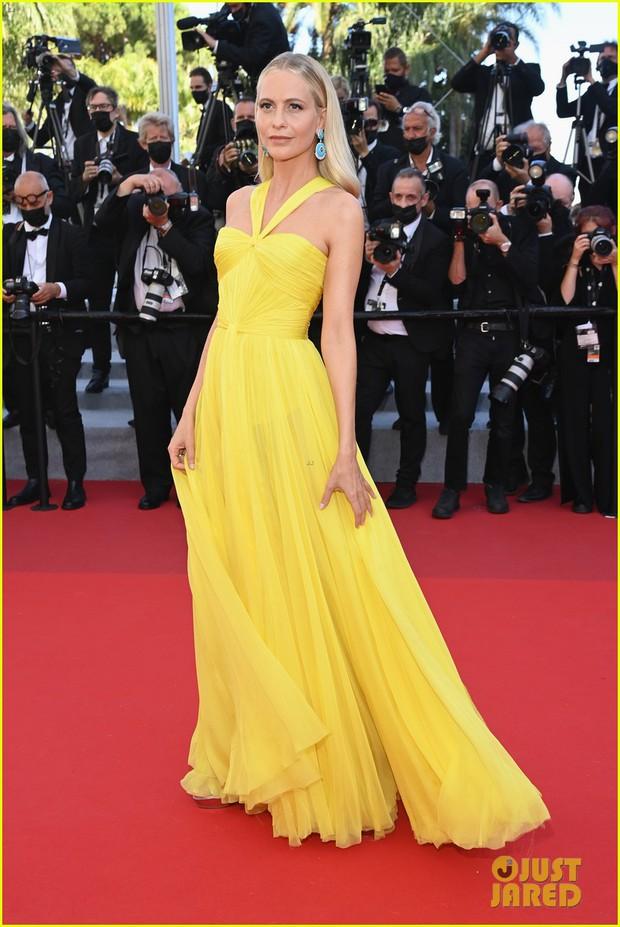 Thảm đỏ LHP Cannes: Tình cũ Brooklyn Beckham lộng lẫy nhưng mặt đầy mụn, mỹ nhân Catwoman như trải thảm hoa rực rỡ nhất hôm nay - Ảnh 15.